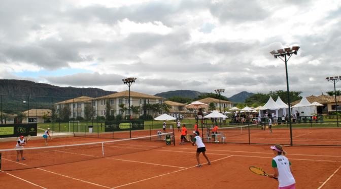 estrutura-quadra-de-tenis_-santissimo-resort_tiradentes_minas-gerais