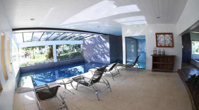 estrutura-sauna-com-piscina_-santissimo-resort_tiradentes_minas-gerais