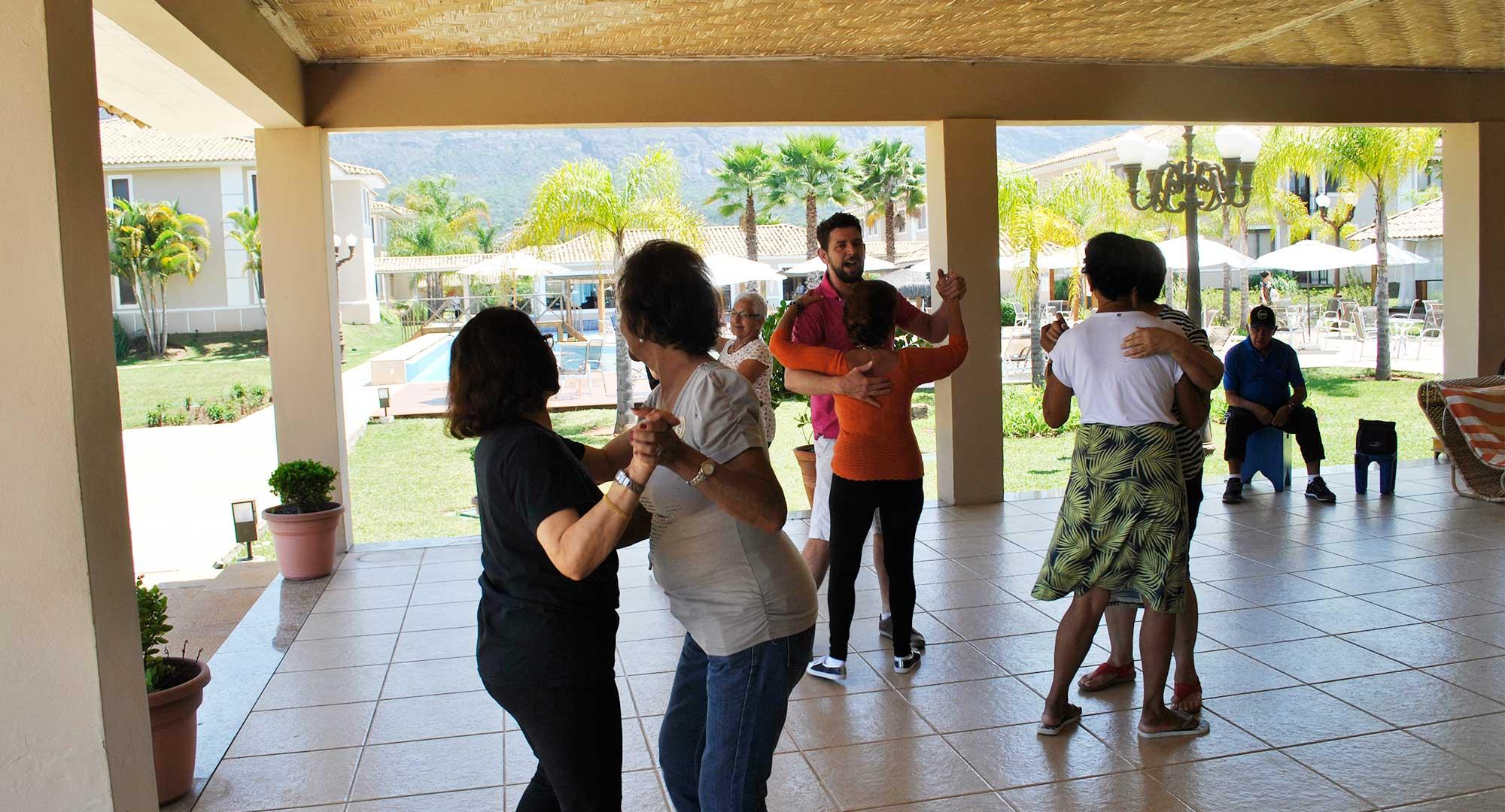grupos-02oficina-de-danca-santissimo-resort_tiradentes_minas-gerais